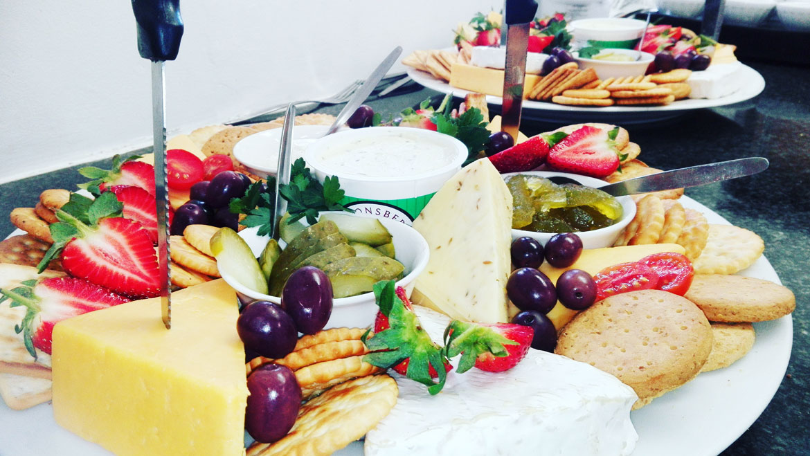 Waterfront boat charters ambrosia catering for Canape platters cape town